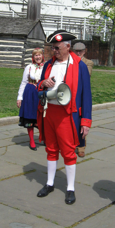 041412colonialcouple.jpg