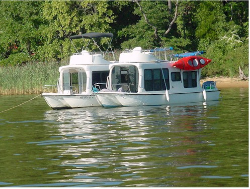 Bohemianhouseboats.jpg